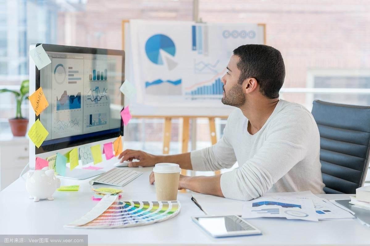 哈尔滨广告设计:怎样进入设计行业?